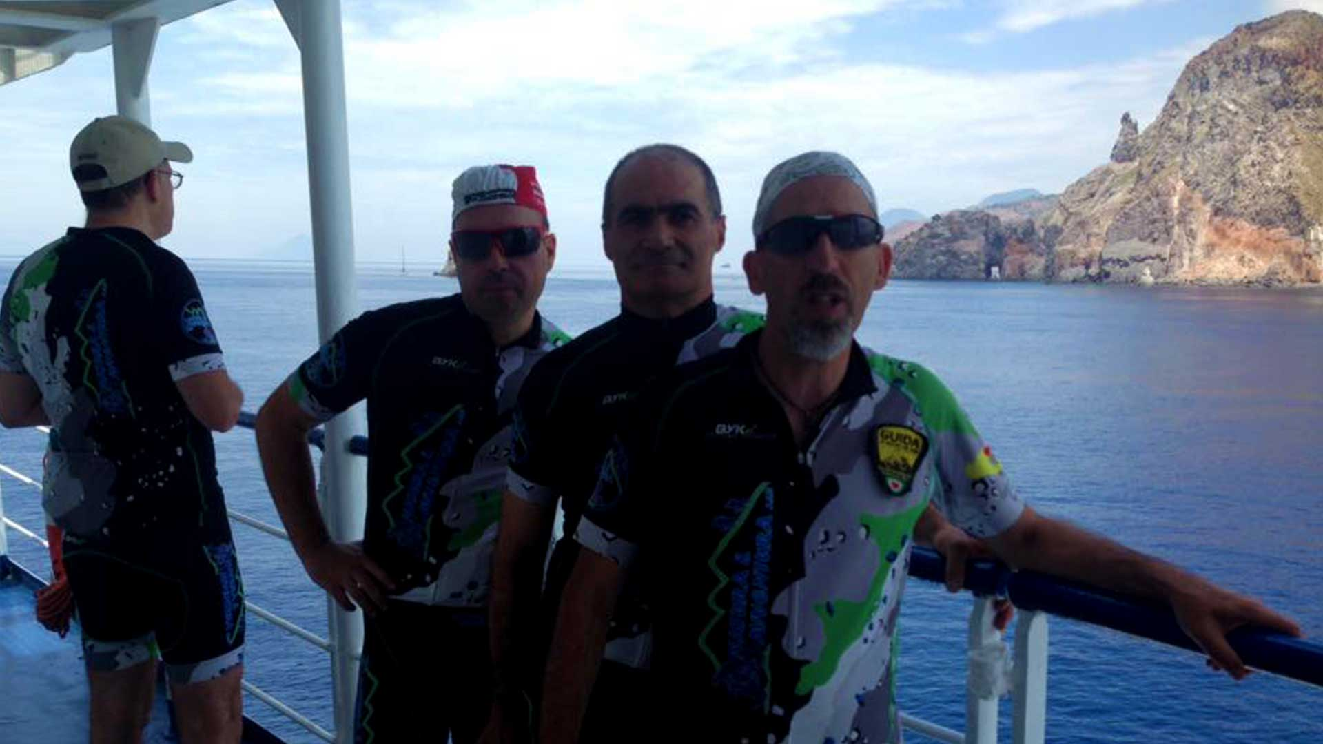 Escursione in mountain bike sull'Isola di Salina - Isole Eolie